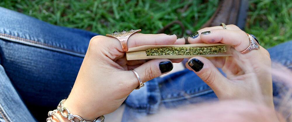 rolling a hemp joint